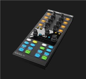 Native Instruments Traktor Kontrol X1MK2, Performance DJ Controller