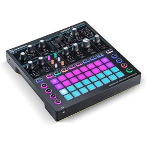 Novation Circuit Mono Station - Paraphonic Analog Synthesizer and Sequencer