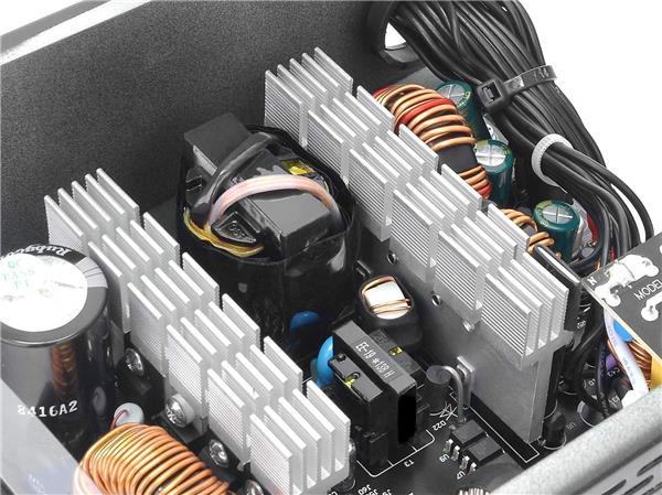 THERMALTAKE Smart BX1 650W Bronze SLI/ CrossFire Ready